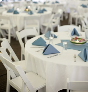 Rental tables and chairs in Milwaukee